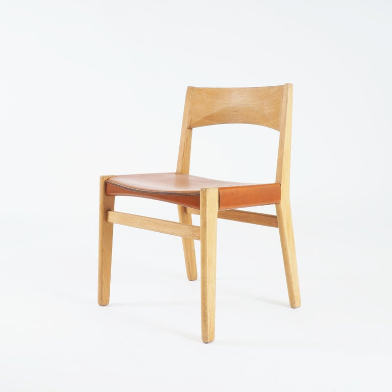 Scandinavian Modern Dining Chairs in Oak and Leather by John Vedel-Rieper, Denmark for Källemo For Sale