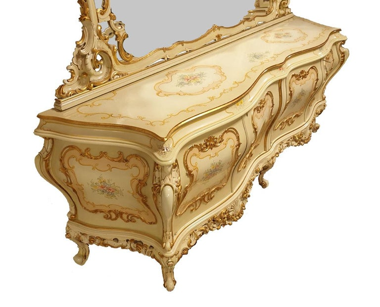 Dining / Living Room Set of 10 Pieces in the Style of Venetian Rococo For Sale 3