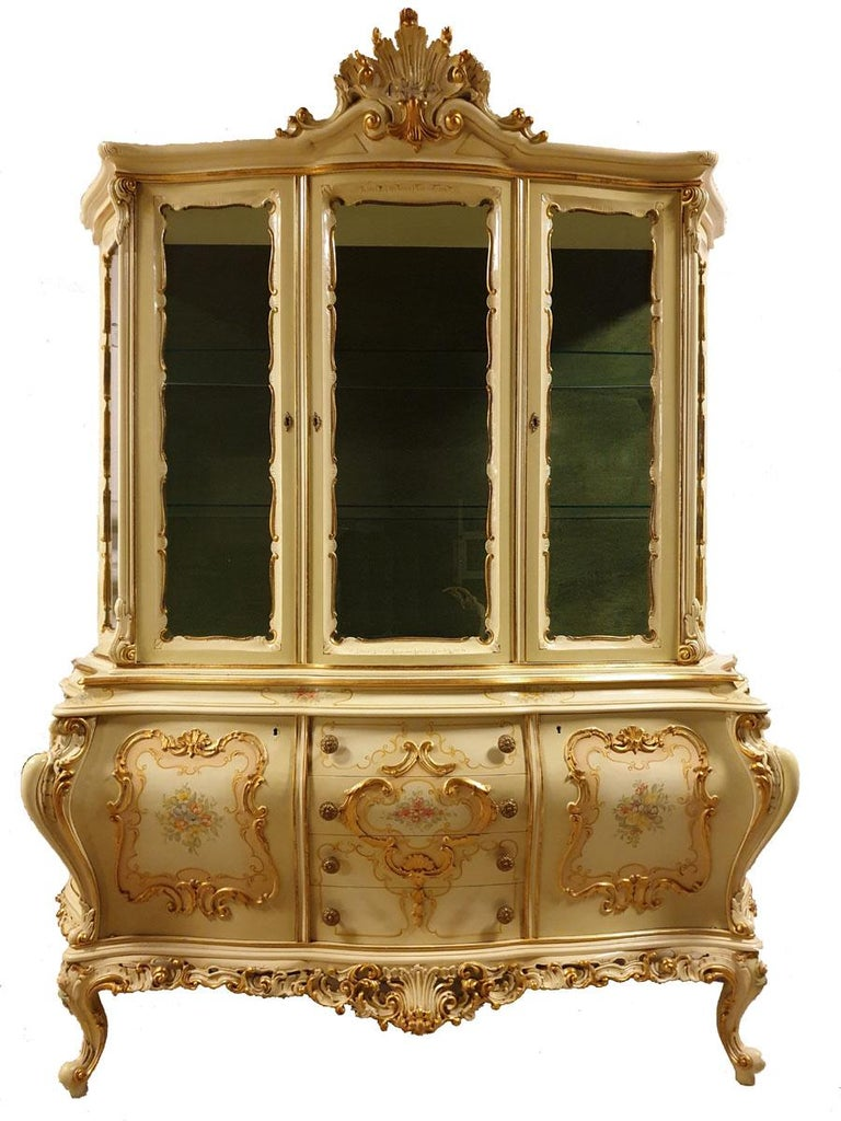 Italian Dining / Living Room Set of 10 Pieces in the Style of Venetian Rococo For Sale