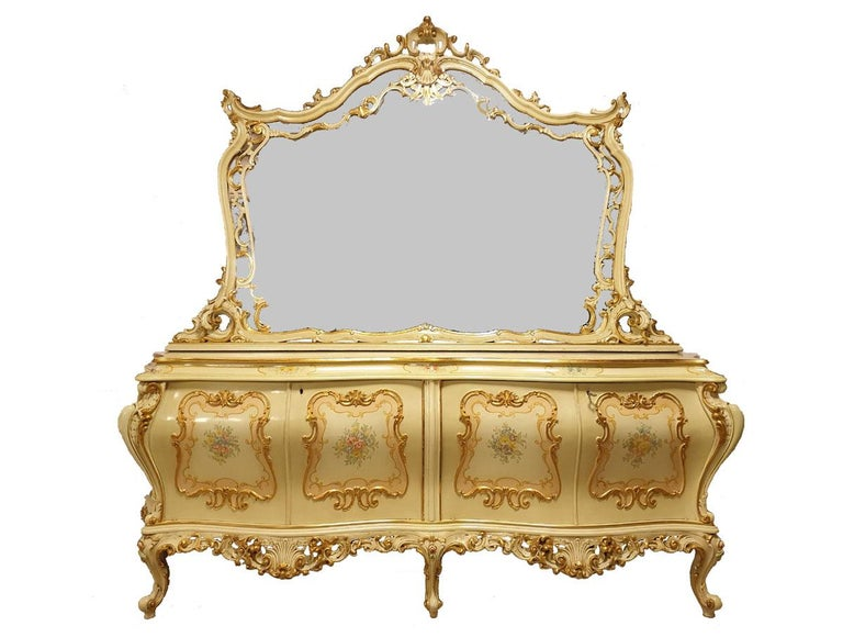 Dining / Living Room Set of 10 Pieces in the Style of Venetian Rococo For Sale 1