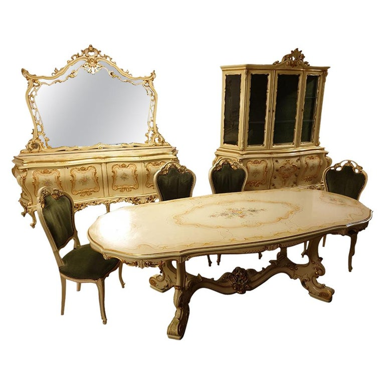 Dining / Living Room Set of 10 Pieces in the Style of Venetian Rococo For Sale