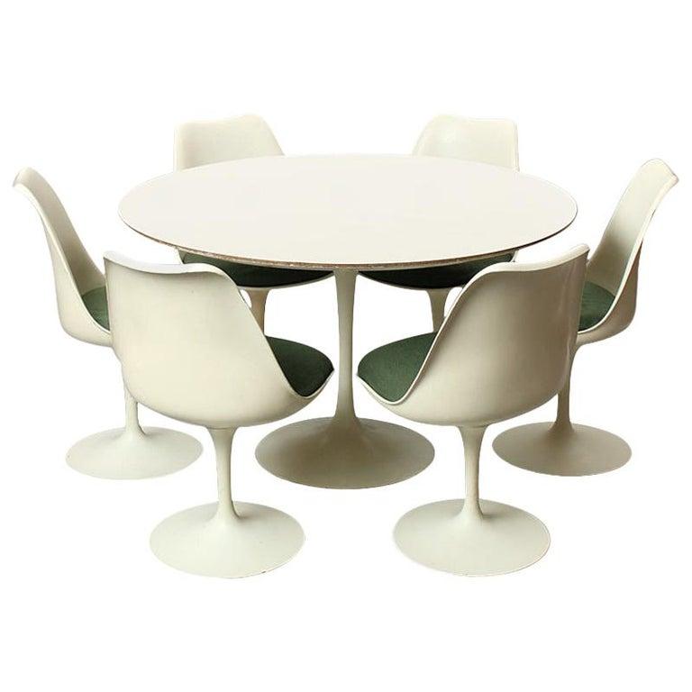 Dining Set by Eero Saarinen For Sale