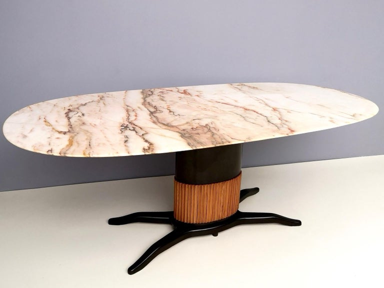 Mid-20th Century Dining Table Ascribable to Paolo Buffa with a Pink Marble Top, Italy, 1950s For Sale