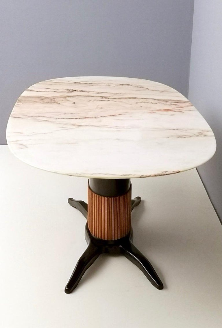Dining Table Ascribable to Paolo Buffa with a Pink Marble Top, Italy, 1950s For Sale 1