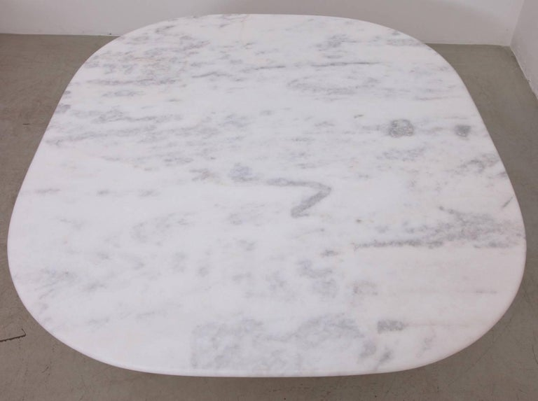 Dining Table by 1970s B&B Italia in Leather and Marble In Good Condition For Sale In Berlin, DE