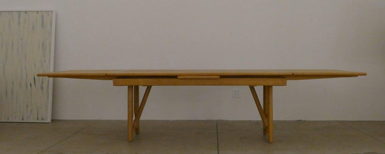 """French Dining Table by Guillerme et Chambron, """"A l'Italienne"""" For Sale"""