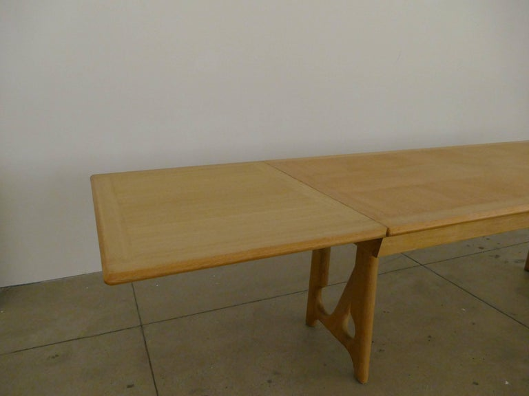 """Dining Table by Guillerme et Chambron, """"A l'Italienne"""" In Excellent Condition For Sale In Los Angeles, CA"""