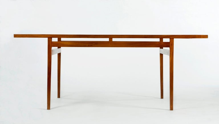 Dining Table Designed for Branco and Preto In Good Condition For Sale In New York, NY