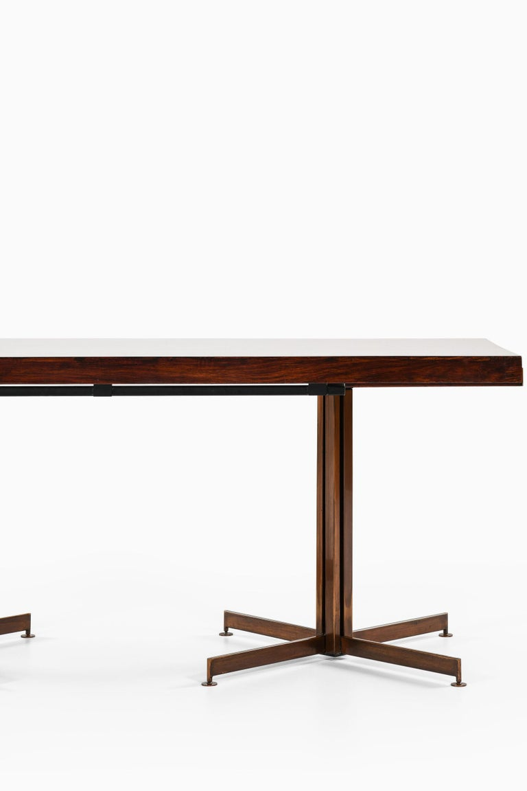 Dining Table Produced in Italy For Sale 5