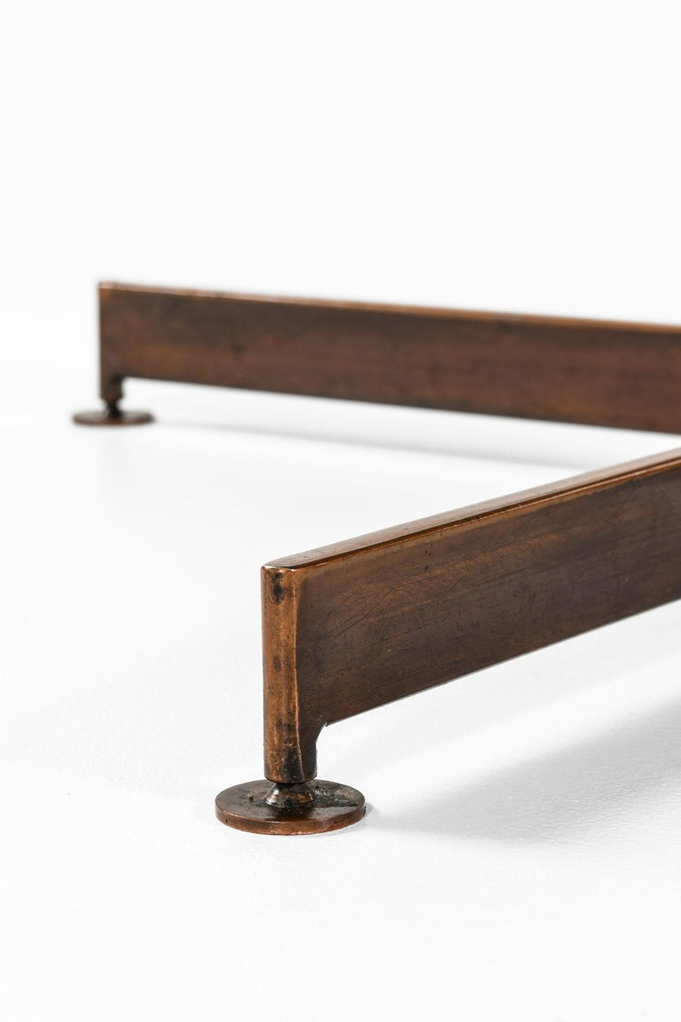 Mid-Century Modern Dining Table Produced in Italy For Sale
