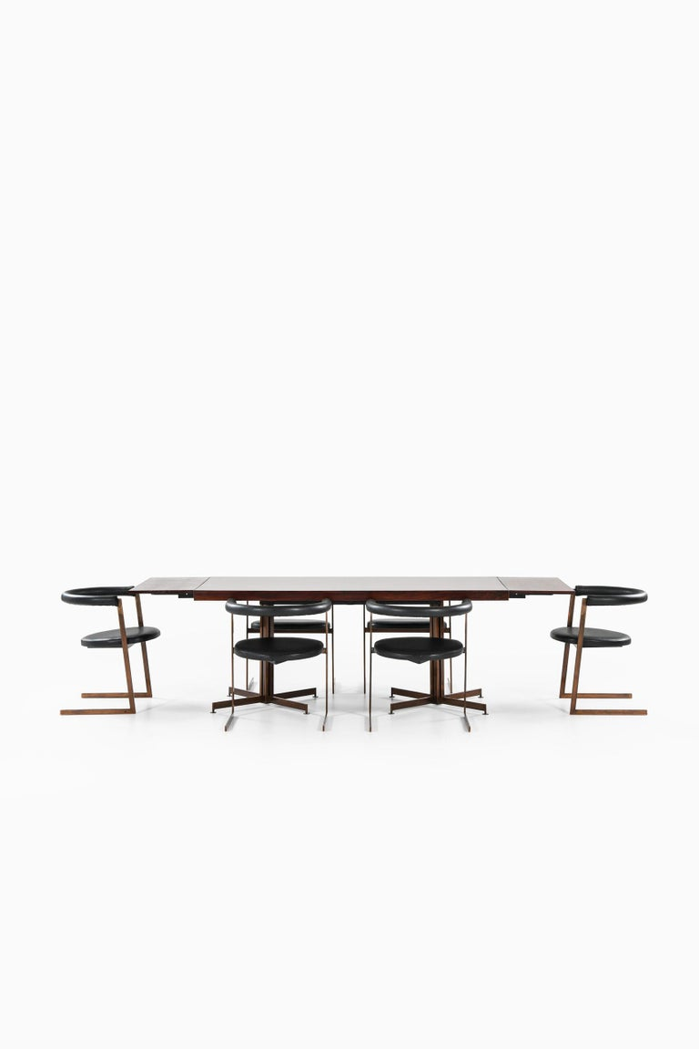 Dining Table Produced in Italy For Sale 1