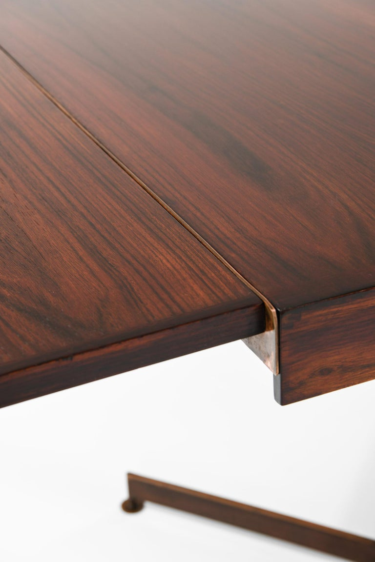 Dining Table Produced in Italy For Sale 2