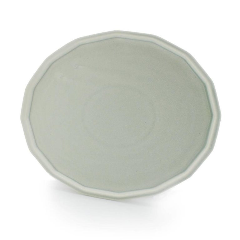 Dinner Plate Set of Eight Modern Contemporary Glazed Porcelain For Sale 2