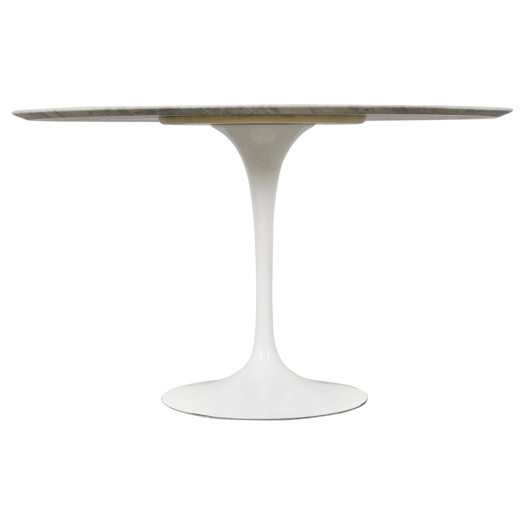 Dinning Table by Eero Saarinen for Knoll International, 1960s