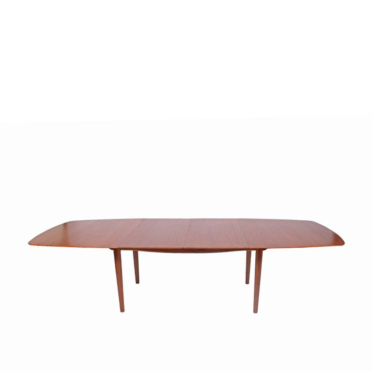 Dining Table Design by Finn Juhl Mfg. Baker Model #560 In Good Condition For Sale In Dallas, TX