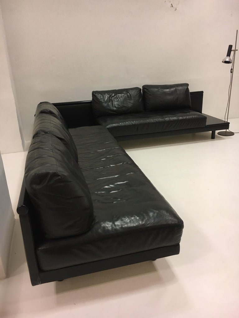 Dino Gavina Sofa Suite Black Leather Sectional, Living Room Suite, Italy, 1960 For Sale 4