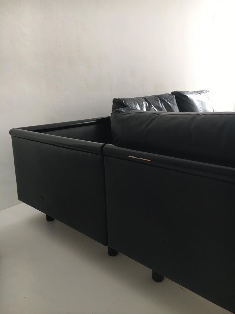 Mid-20th Century Dino Gavina Sofa Suite Black Leather Sectional, Living Room Suite, Italy, 1960 For Sale