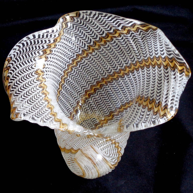 Hand-Crafted Dino Martens Aureliano Toso Murano Ribbons Italian Art Glass Seashell Bowl For Sale