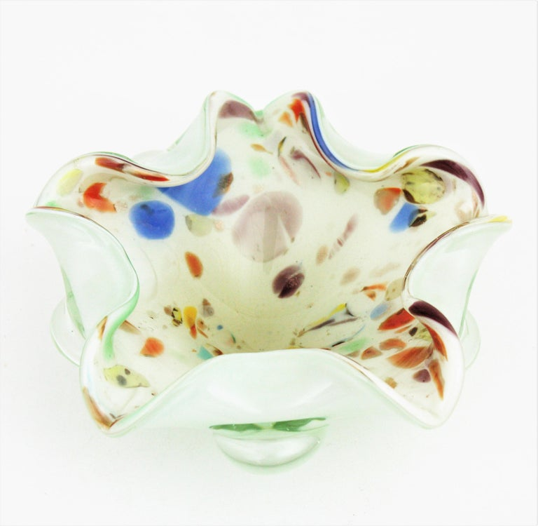 Sculptural colorful pastel colors Tutti Frutti Murano art glass bowl attributed to Dino Martens and Arte Vetreria Muranese. Italy, 1950-1960 Zanfirico and latticino techniques in pastel colors and copper aventurine flecks inclusions on a white