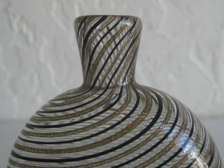 Great modernist Dino Martens Mezza Filigrana gold and black canes Murano art glass vase. Great shape and form. Colors are awesome. Measures: 3 3/4