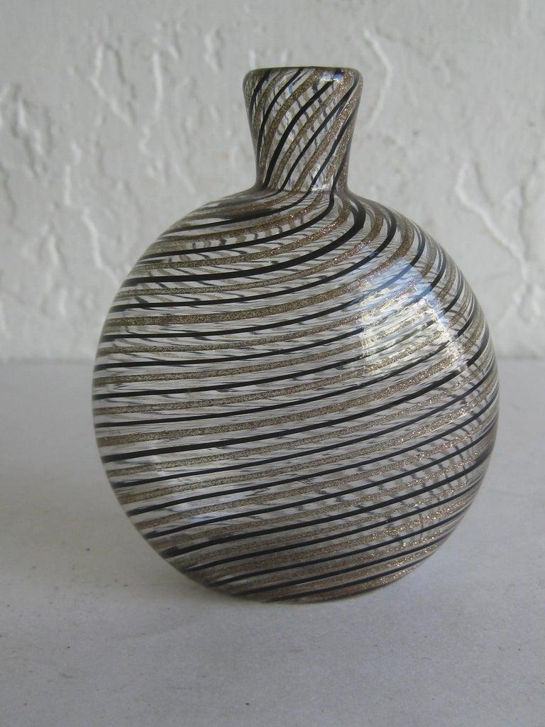 Dino Martens Mezza Filigrana Gold and Black Canes Murano Art Glass Vase, Italy For Sale 1