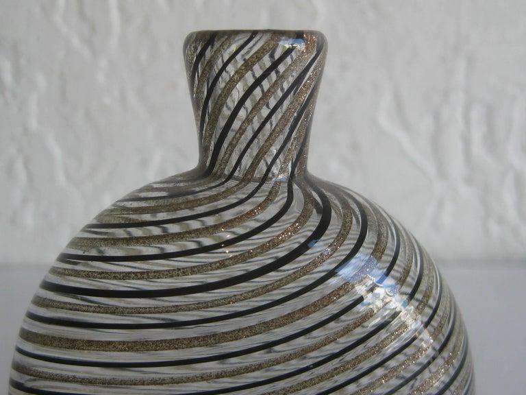 Dino Martens Mezza Filigrana Gold and Black Canes Murano Art Glass Vase, Italy For Sale 2
