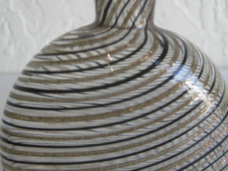 Dino Martens Mezza Filigrana Gold and Black Canes Murano Art Glass Vase, Italy For Sale 4