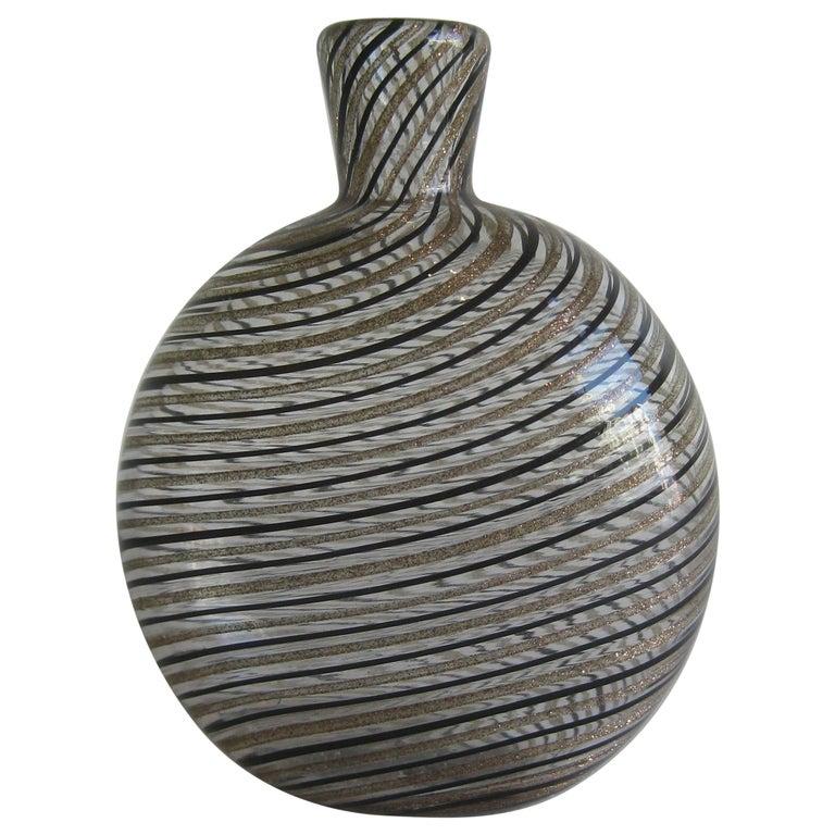 Dino Martens Mezza Filigrana Gold and Black Canes Murano Art Glass Vase, Italy For Sale