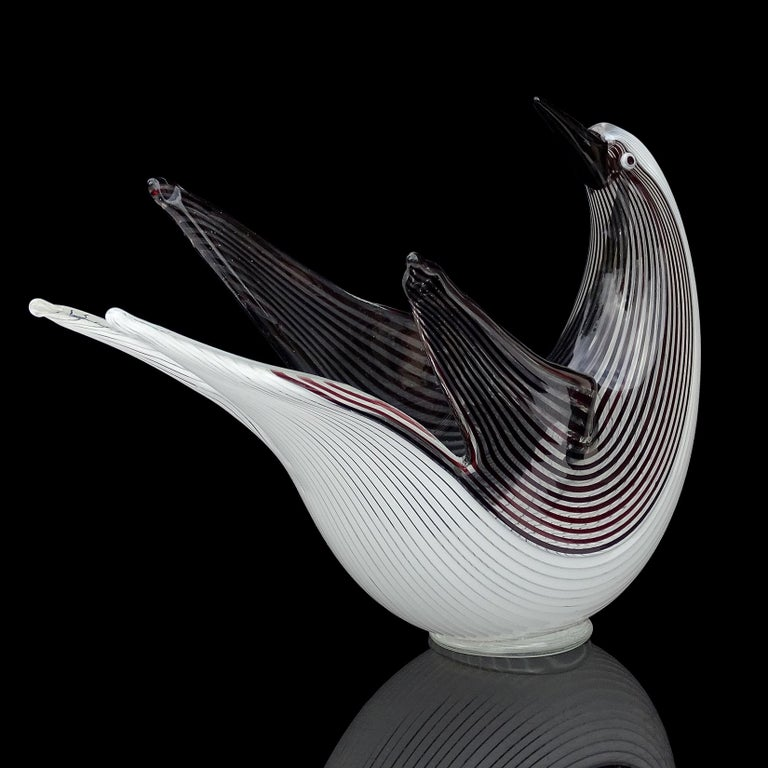 Hand-Crafted Dino Martens Murano Black White Ribbons Italian Art Glass Sculptural Bird Bowl For Sale
