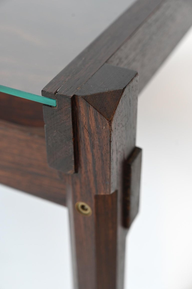 'Dione' Rosewood Coffee Table and Magazine Rack by Ico Parisi for Stildomus In Good Condition For Sale In London, GB