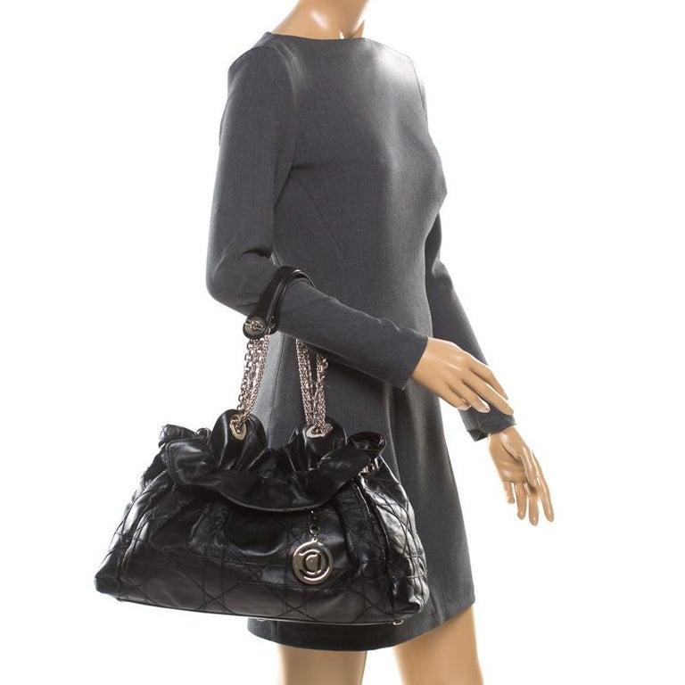 Dior Black Cannage Leather Le Trente Hobo In Good Condition For Sale In Dubai, Al Qouz 2