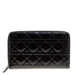 Dior Cannage, schwarzer Lackleder Tasche mit Reißverschluss
