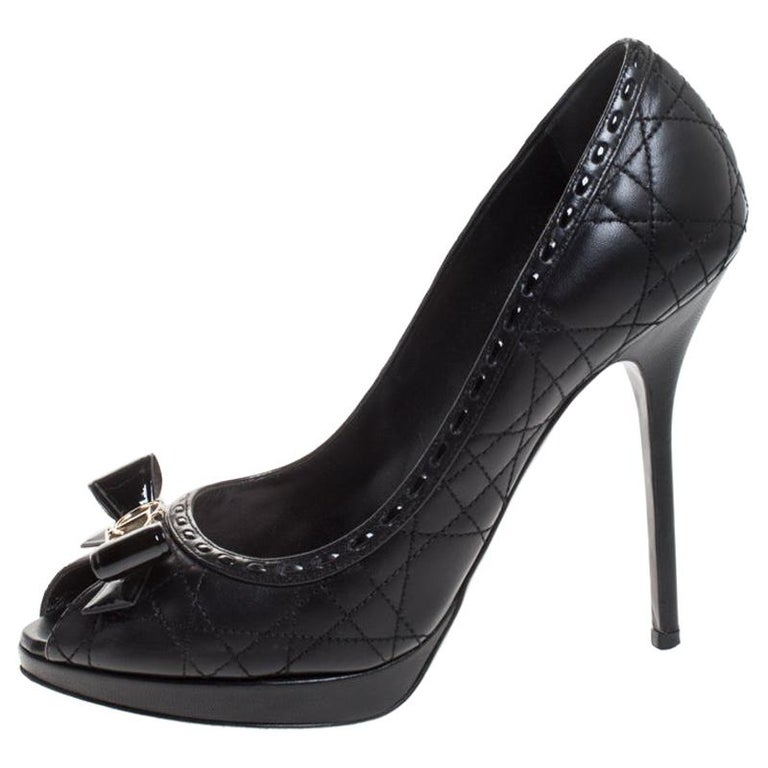 Dior Black Cannage Quilted Leather Bow Peep toe Pumps Size 39.5 For Sale