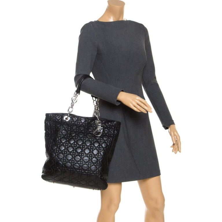 Dior Black Cannage Quilted Leather Soft Shopper Tote In Good Condition For Sale In Dubai, Al Qouz 2