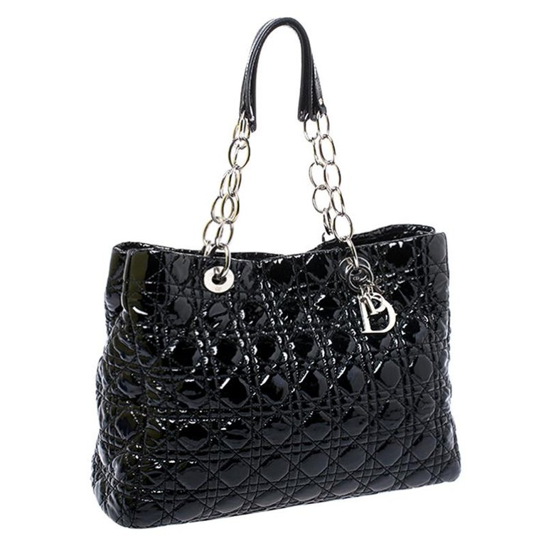 Dior Black Cannage Quilted Soft Patent Leather Large Shopper Tote In Good Condition For Sale In Dubai, Al Qouz 2