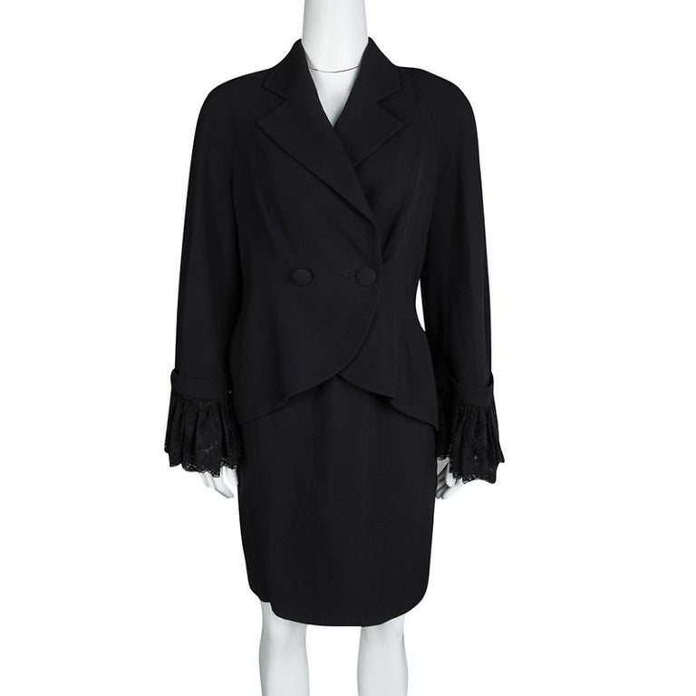 Dior Black Floral Lace Cuffed Blazer and Pencil Skirt Set L In Good Condition For Sale In Dubai, Al Qouz 2