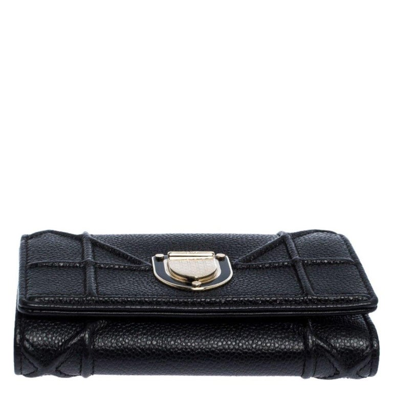 Women's Dior Black Leather Diorama Trifold Wallet For Sale