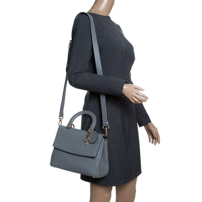 Dior Grey Leather Small Be Dior Shoulder Bag In Excellent Condition In Dubai, Al Qouz 2