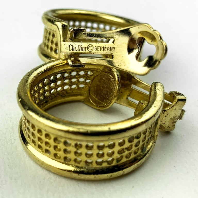 DIOR Hoop Clips Earrings In Good Condition For Sale In Paris, FR