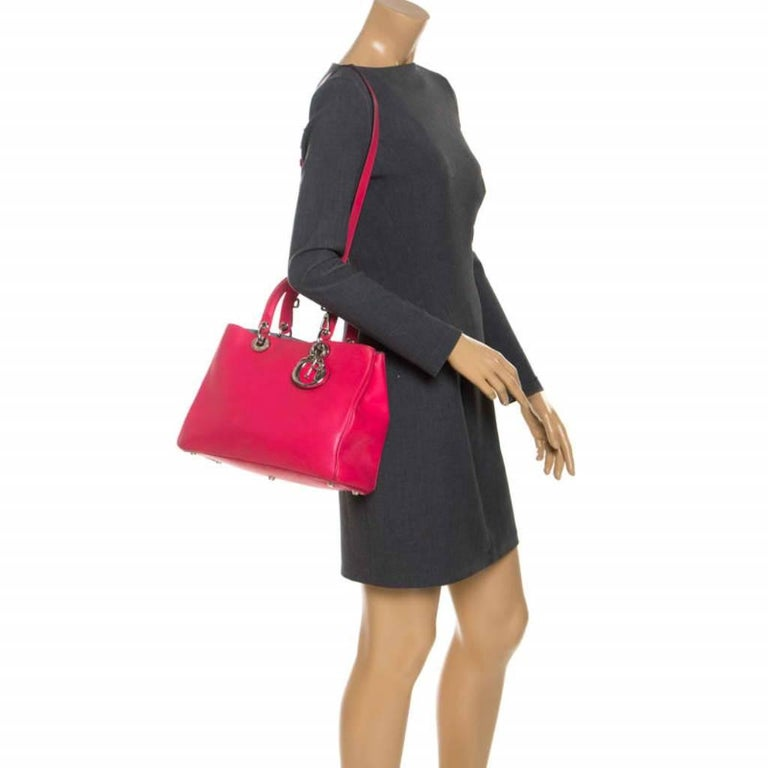 Dior Hot Pink Leather Medium Diorissimo Shopper Tote In Good Condition For Sale In Dubai, Al Qouz 2