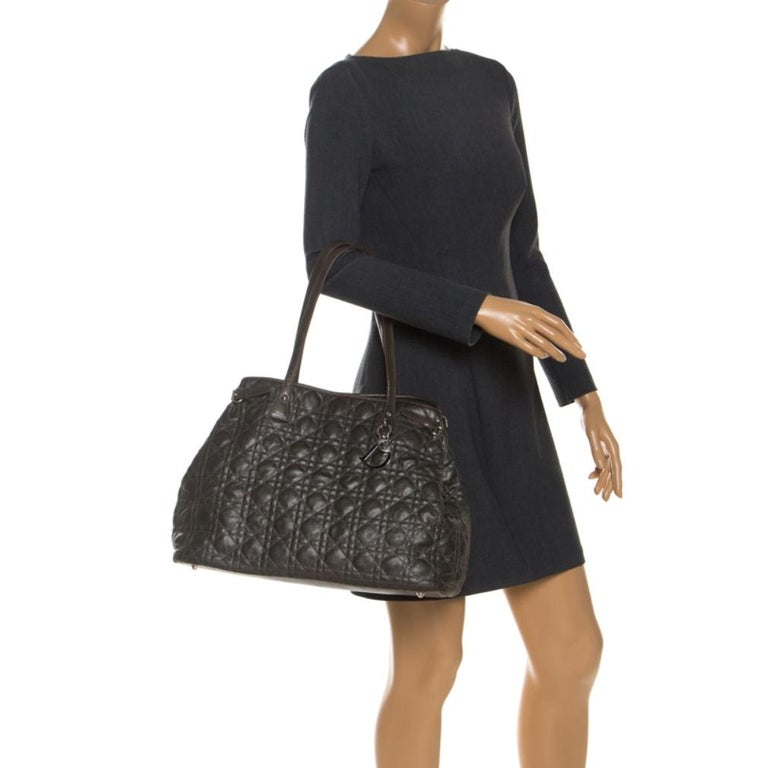 Dior Khaki Coated Canvas Medium Panarea Tote In Good Condition For Sale In Dubai, Al Qouz 2