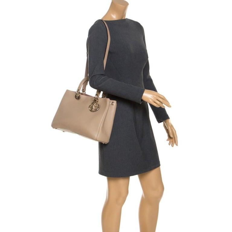 Dior Light Beige Leather Medium Diorissimo Tote In Good Condition For Sale In Dubai, Al Qouz 2