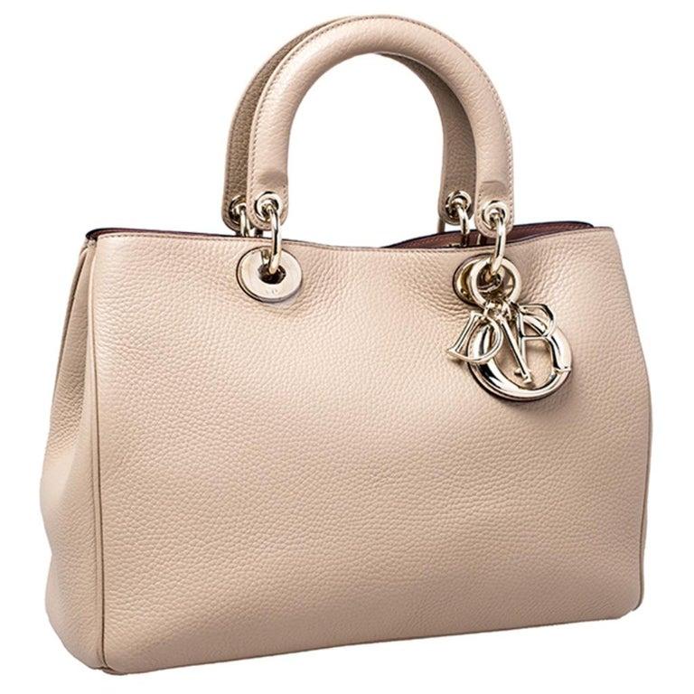 Women's Dior Light Beige Leather Medium Diorissimo Tote For Sale