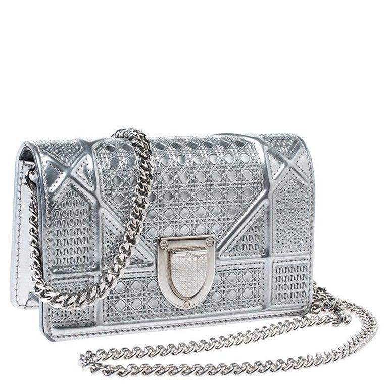 Dior Metallic Silver Cannage Patent Leather Baby Diorama Shoulder Bag In Good Condition In Dubai, Al Qouz 2