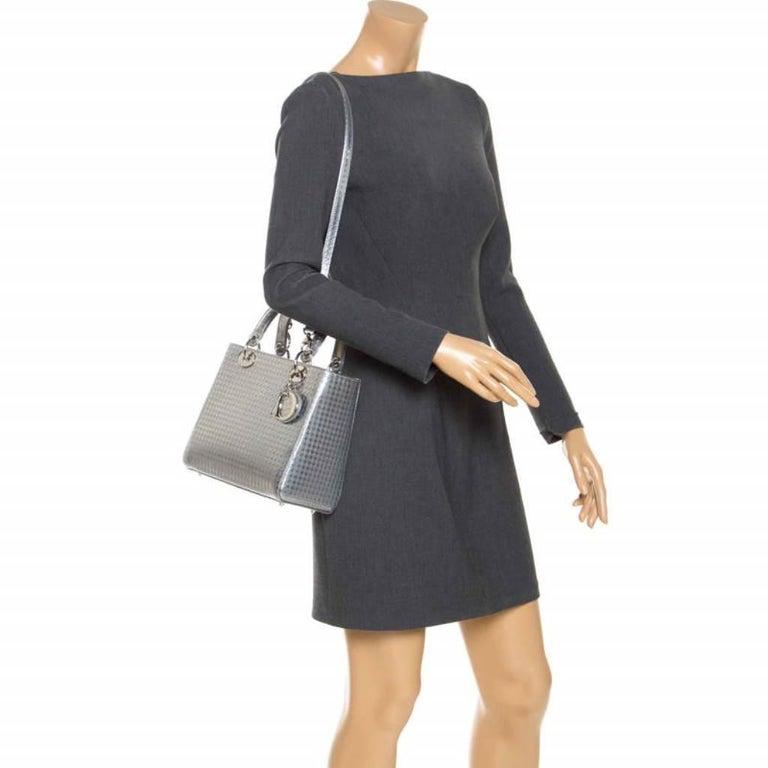 Dior Metallic Silver Micro Cannage Patent Leather Lady Dior Tote In Excellent Condition For Sale In Dubai, Al Qouz 2