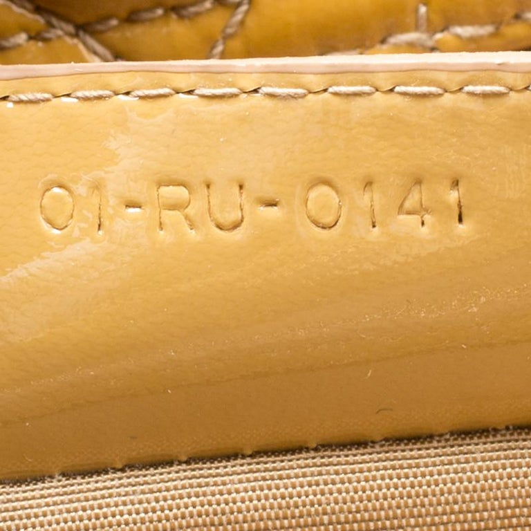 Dior Mustard Cannage Patent Leather Large Shopping Tote In Good Condition For Sale In Dubai, Al Qouz 2