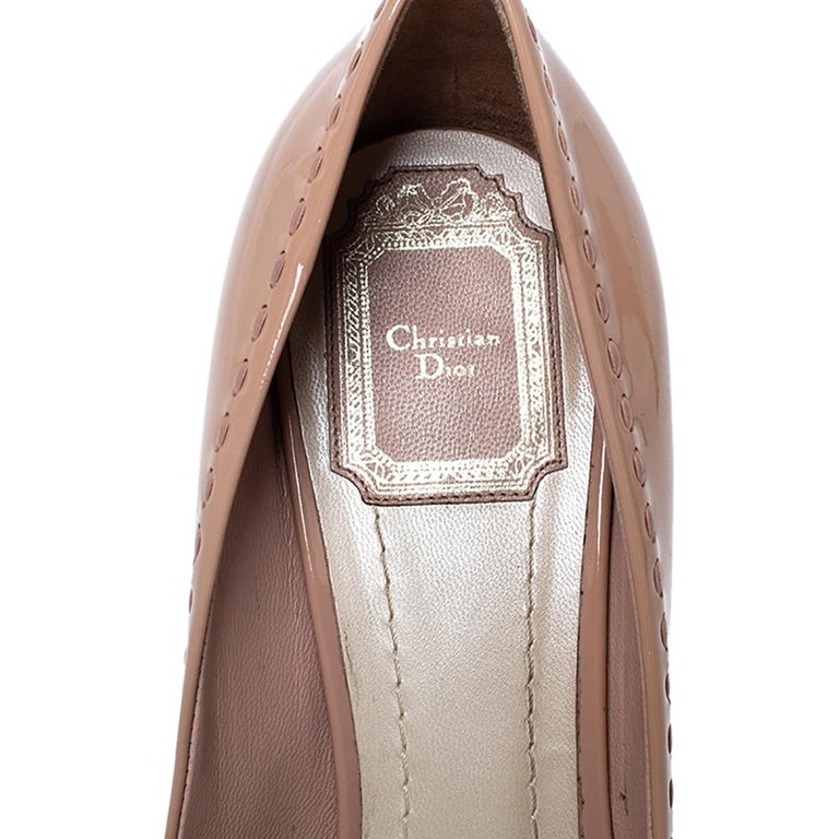 Dior Nude Beige Patent Leather Cannage Bow Peep Toe Pumps Size 39 For Sale 2