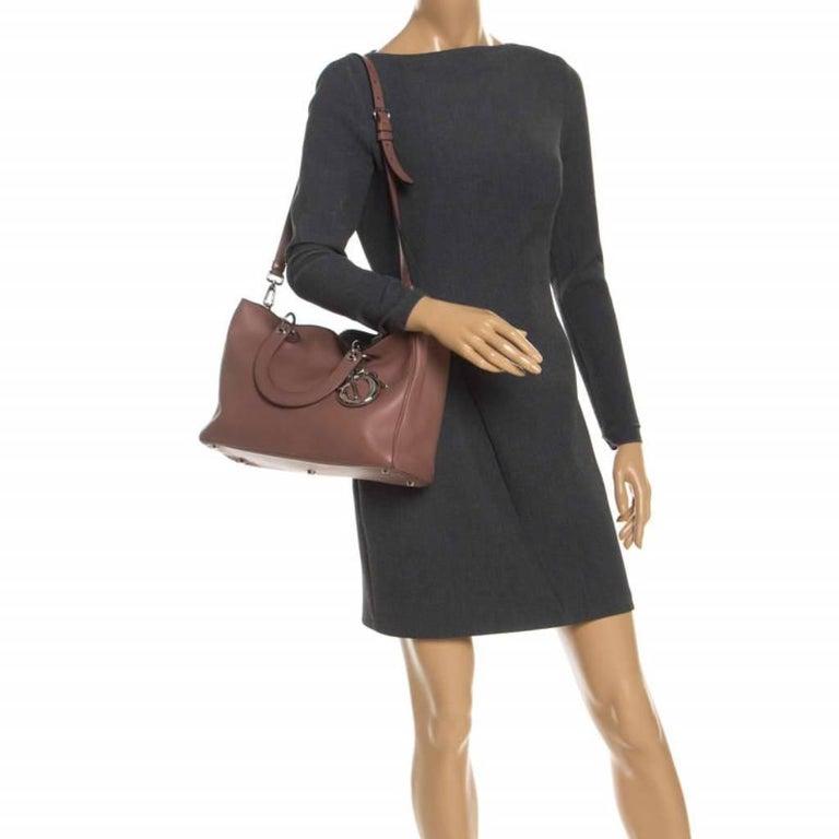 Dior Old Rose Leather Medium Diorissimo Shopper Tote In Good Condition For Sale In Dubai, Al Qouz 2