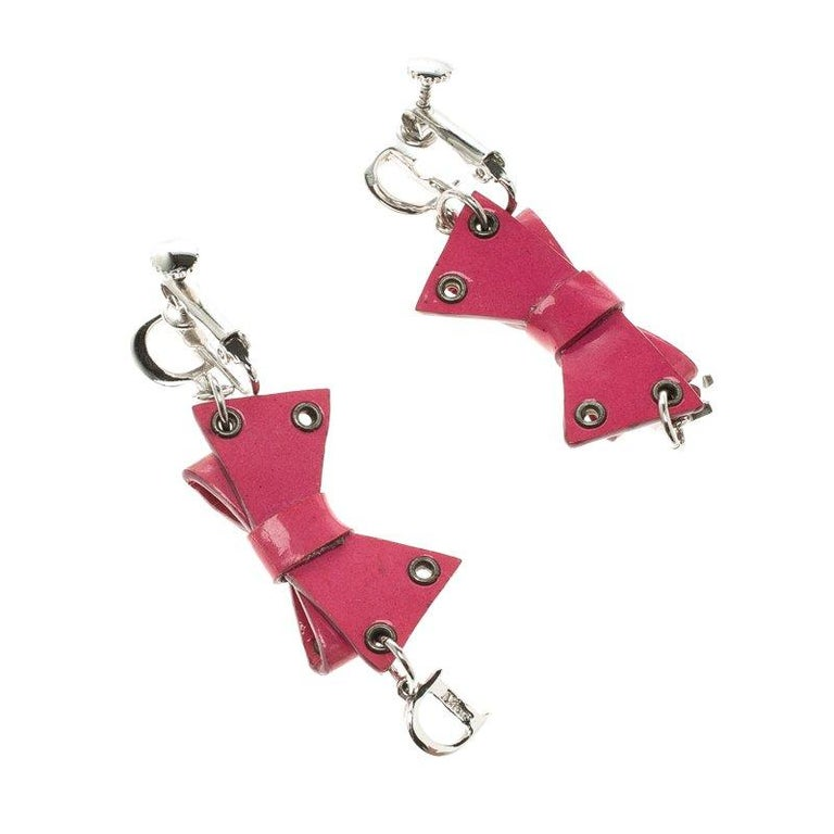 Dior Pink Bow Patent Leather Drop Earrings In Good Condition For Sale In Dubai, Al Qouz 2
