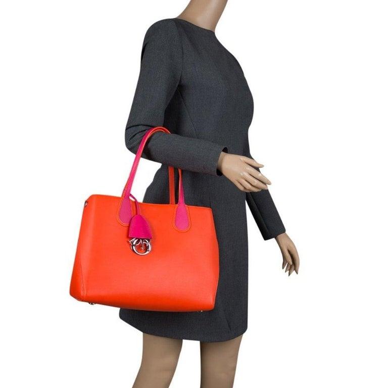 Dior Red Orange Leather Dior Addict Shopping Tote In Good Condition For Sale In Dubai, Al Qouz 2